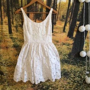 Abercrombie & Fitch flagship white dress small